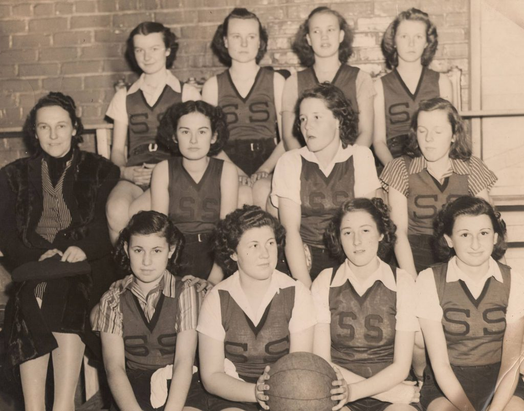 Seven Springs girls basketball team 1940